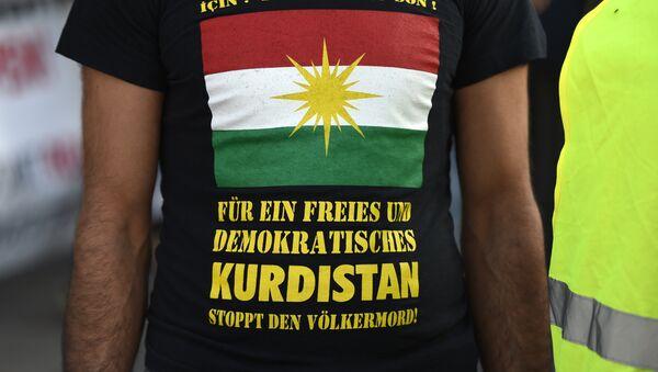 Мајица са заставом Курдистана - Sputnik Србија