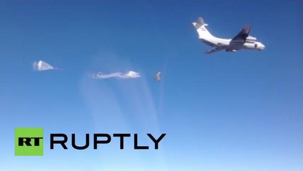 Syria: Russian planes airdrop 22 tonnes of humanitarian aid - Sputnik Srbija