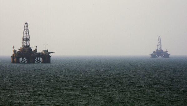 Naftne platvorme na moru - Sputnik Srbija
