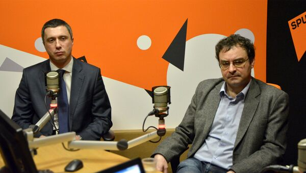 Lider Dveri Boško Obradović i sociolog Jovo Bakić - Sputnik Srbija