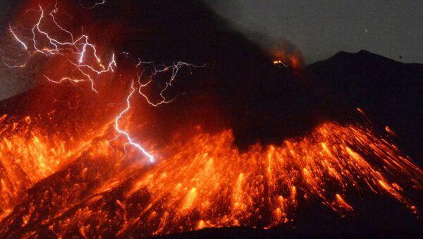 Vulkan Sakuradžima u Japanu - Sputnik Srbija