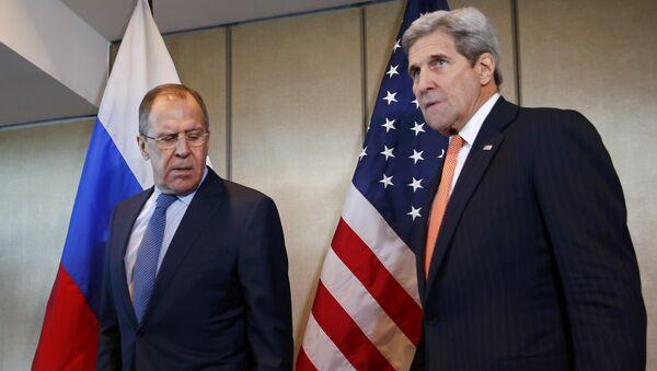 Шефови дипломатија Русије и САД Сергеј Лавров и Џон Кери - Sputnik Србија