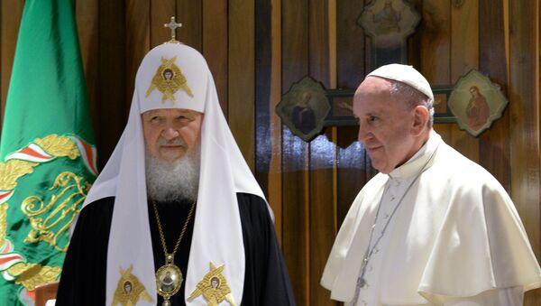 Patrijarh Moskovski i sve Rusije Kiril  i papa Franja - Sputnik Srbija