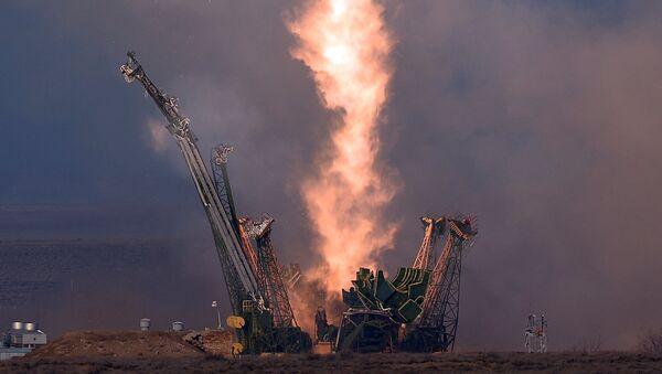 Lansiranje svemirske letelice Sojuz TMA-19M sa kosmodroma Bajkonur - Sputnik Srbija