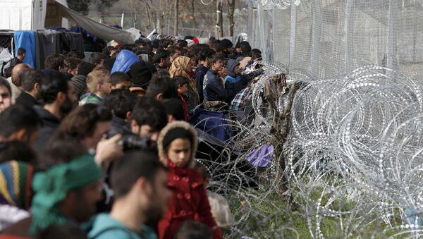Migranti na grčko - makedonskoj granici - Sputnik Srbija