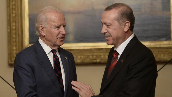 Potpredsednik SAD Džo Bajden i turski predsednik Redžep Tajip Erdogan - Sputnik Srbija