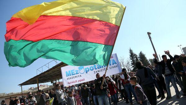 Курди са заставом Курдистана - Sputnik Србија