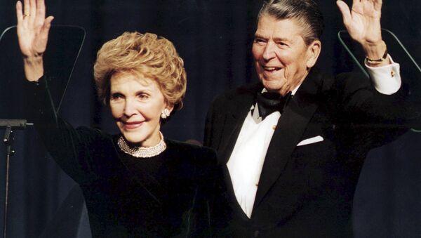 Nensi i Ronald Regan - Sputnik Srbija