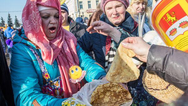 Прослава Масленице у Русији - Sputnik Србија