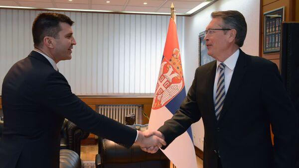 Министар одбране Зоран Ђорђевић и амбасадор Русије у Србији Александар Чепурин - Sputnik Србија