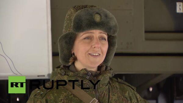 Female captain trains all-male battalion in anti-missile drills - Sputnik Srbija