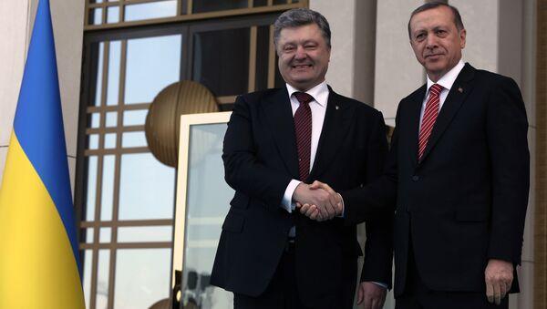 Ukrajinski predsednik Petro Potošenko i turski predsednik Redžep Tajip Erdogan - Sputnik Srbija