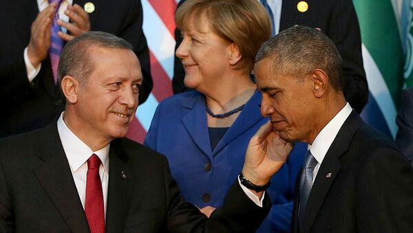 Predsednik Turske Redžep Tajip Erdogan i predsednik SAD Barak Obama , a iza njih nemačka kancelarka Angela Merkel - Sputnik Srbija