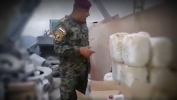 Пети пук народне самоодбране у ирачкој провинцији Анбар у граду Рамади нашао је нова складишта ДАЕШ-a са хемикалијама које разједају кожу и ткиво. - Sputnik Србија