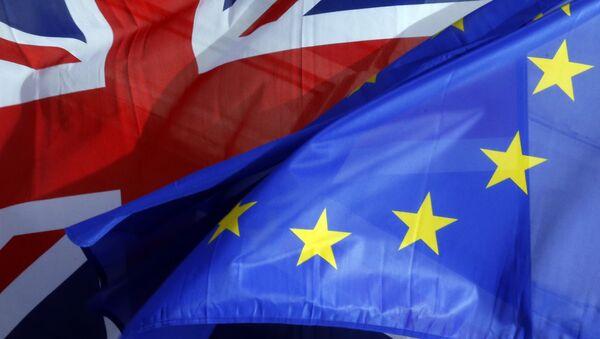 Заставе Велике Британије и ЕУ - Sputnik Србија