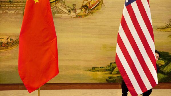Zastave Kine i SAD  - Sputnik Srbija
