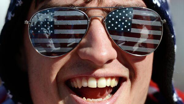 Наочаре са америчком заставом - Sputnik Србија