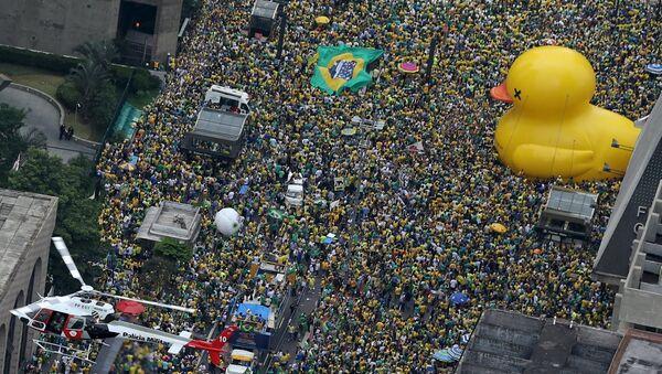 Демонстрације у Сао Паолу, са захтевом за опозив председнице Бразила Дилме Русеф - Sputnik Србија