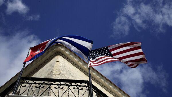Zastave Kube i Amerike - Sputnik Srbija