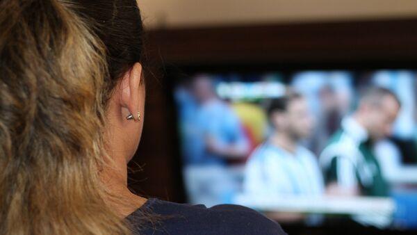 Гледање телевизије - Sputnik Србија