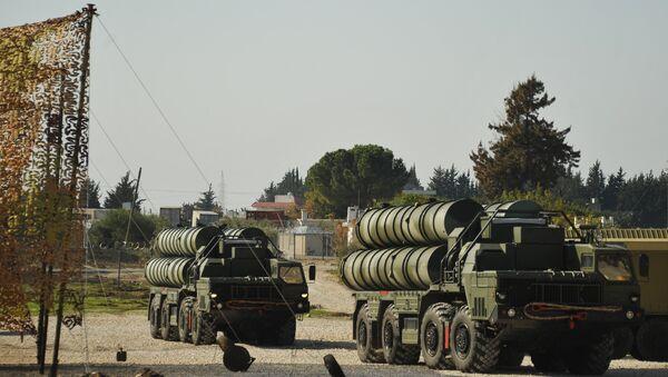 Чувени руски ПВО систем С-400 у бази у Латакији. - Sputnik Србија