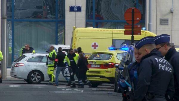 Белгијска полиција испред аеродрома у Бриселу - Sputnik Србија