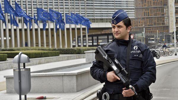 Policija ispred zgrade EU u Briselu - Sputnik Srbija