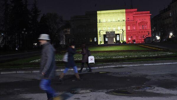 Стари двор у Београду у бојама белгијске заставе, после терористичког напада у Бриселу. - Sputnik Србија