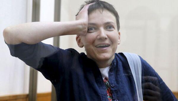 Ukrajinski pilot Nadežda Savčenko tokom izricanja presude - Sputnik Srbija