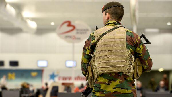 Белгијски војник на аеродрому Завентем - Sputnik Србија