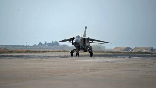 МИГ-23 сиријске авијације у војној бази Хама - Sputnik Србија