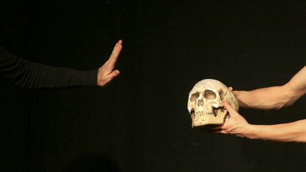 Детаљ из представе Хамлет Вилијема Шекспира - Sputnik Србија