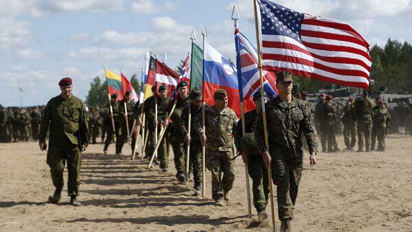 Vojnici iz NATO zemalja prisustvuju ceremoniji otvaranja vojne vežbe - Sputnik Srbija