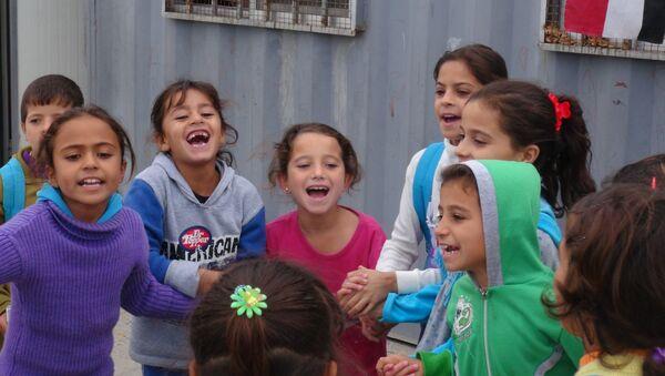 Deca u Palmiri - Sputnik Srbija