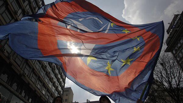 Анти-НАТО протест у Београду - Sputnik Србија