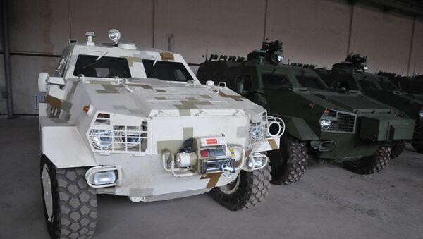 "Oklopno vozilo ukrajinske vojske ""dozor B"" - Sputnik Srbija"