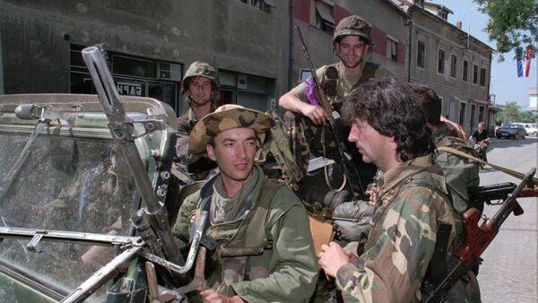 Хрватски војници у Книну 6. августа 1995 године, два дана после Олује - Sputnik Србија