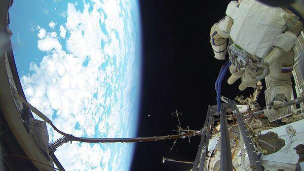 Излазак у отворени свемир - Sputnik Србија