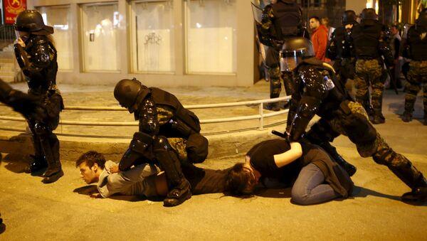 Други дан протеста присталица опозиције у Скопљу - Sputnik Србија
