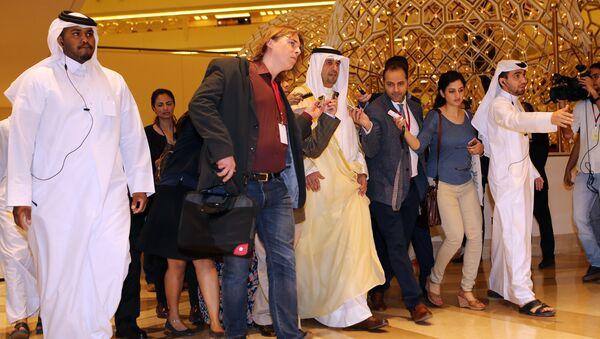 Ministar finansija i ministar nafte Kuvajta Anas al-Saleh dolazi na sastanak zemalja OPEK-a u glavnom gradu Katara, Dohi. - Sputnik Srbija