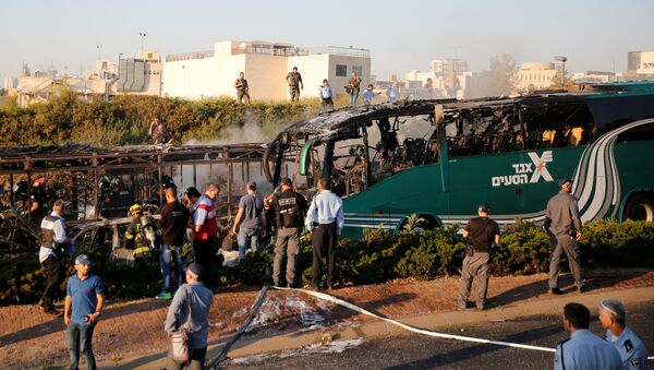 Autobus nakon eksplozije u Jerusalimu - Sputnik Srbija