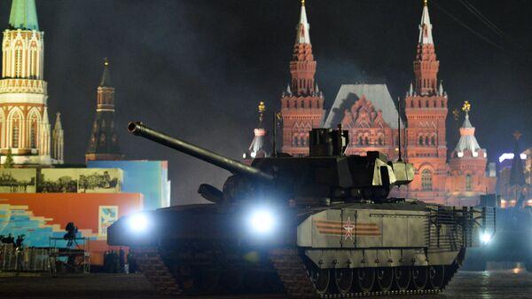 "Tenk T-14 na platformi ""armata"" tokom probe parade povodom Dana pobede u Moskvi - Sputnik Srbija"