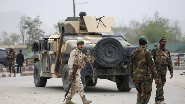 Avganistanska vojska stiže na mesto eksplozije automobila-bombe u Kabulu - Sputnik Srbija