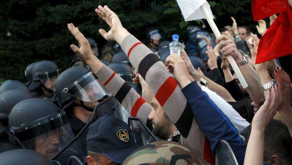Sukob policije i demonstarnta na anti-vladinim protestima  u Skoplju - Sputnik Srbija