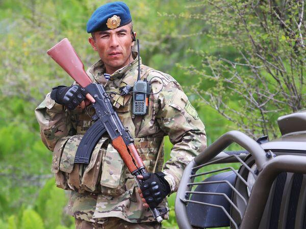 """Главна фаза заједничких војних вежби ОДКБ-а """"Потрага 2016"""" почела је у четвртак на полигону Љаур, 30 километара од престонице Таџикистана. - Sputnik Србија"""