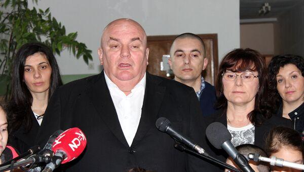Predsednik Jedinstvene Srbije Dragan Marković - Palma, glasao je u 10 sati u selu Končarevu, oko šest kilometara od Jagodine - Sputnik Srbija