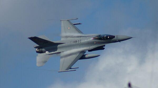 Avion F16 Kraljevskog vojnog vazduhoplovstva Norveške - Sputnik Srbija