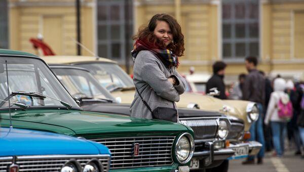 Vыstavka retro-avtomobileй v Sankt-Peterburge - Sputnik Srbija
