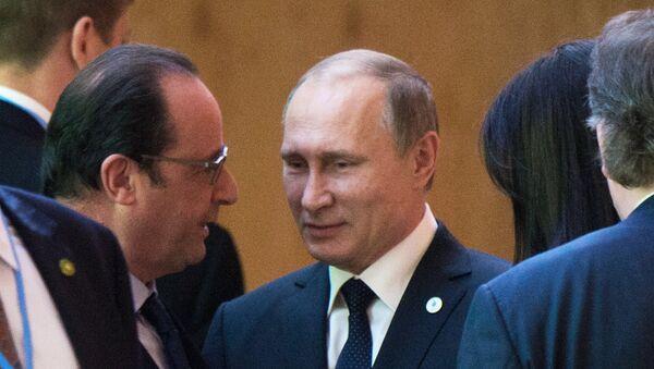 Predsednik Rusije Vladimir Putin i Francuske Fransoa Oland - Sputnik Srbija