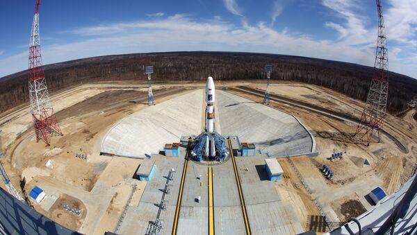 Ракета-носач Сојуз 2.1а на платформи космодрома Восточни - Sputnik Србија